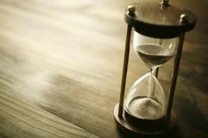 Krátka doba splatnosti je výhodou a zároveň nevýhodou, záleži to od konkrétnej situácie