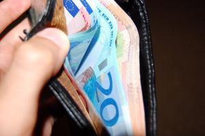 Ak potrebujete peniaze pred výplatou, tak existujú špeciálne pôžičky práve pre tento prípad